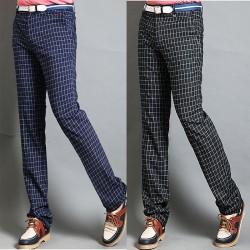 pantaloni da golf a quadri blu marino degli uomini
