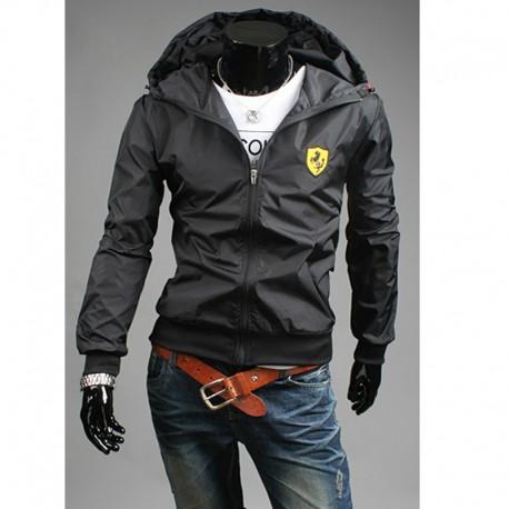giacca a vento degli uomini con cappuccio delle Ferrari